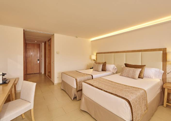 Junior suite blau portopetro beach resort & spa maiorca